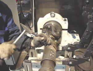 Ремонт карданов грузовиков в автосервисе